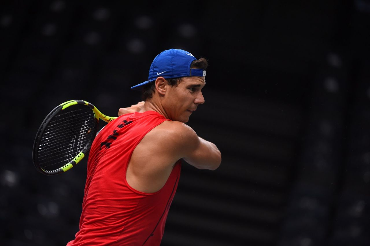 Federer renuncia a París y Nadal es virtualmente número 1 hasta final de año