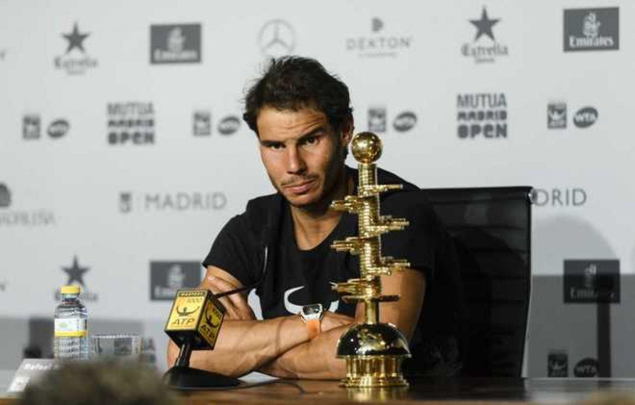 Rafa Nadal: Entiendo que Federer evita la tierra para no perder su dinámica ganadora