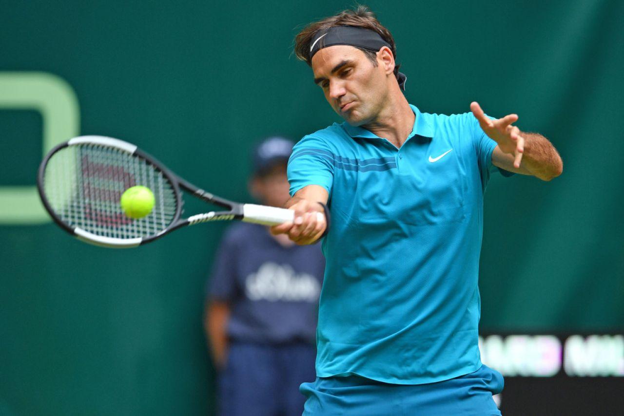 Federer: Si Rafa pasa las primeras rondas en Wimbledon, será uno de los grandes favoritos