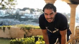 Carlos Moya: Rafa es una persona muy activa, no poder salir lo lleva regular